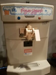 Taylor Little Softee Model 142 2 Soft Serve Ice Cream Machine Countertop