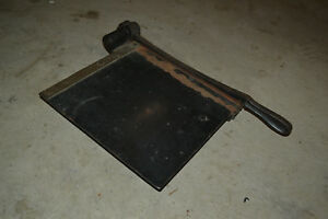 Vtg Eastman Guillotine Paper Cutter Trimmer Photography Cast Iron