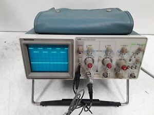 Tektronix 2213 60 Mhz Oscilloscope With 2 P6120 Probes