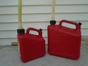 Lot Rubbermaid Essence Gas Cans 2 5 Gallon And 1 Gallon Pre Ban