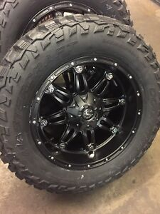 5 20x10 Fuel D531 Hostage 35 Mt Wheel And Tire Package 5x5 Jeep Wrangler Jk