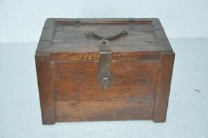 Old Wooden Handcrafted 3 Compartment Drawer Chest Collectible