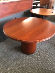 42 Round Conference Table In Cherry Finish Wood W Drum Base