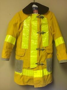 Janesville Firefighter Conventional Structural Jacket Gear W liner Size 32 35 31