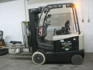 Crown 3 wheel Electric Sit Down Forklift 3500 Lb Capacity good Condition sav