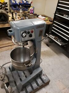 Hobart 30 Qt D300 Mixer With Cage Late Model Stainless Bowl Attachments