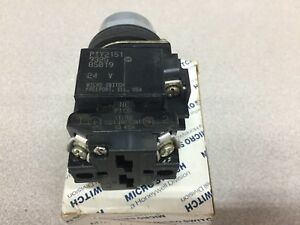 New In Box Honeywell Iluminated Push Button Pty2151