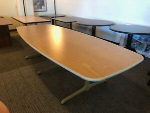 10 Oval Shape Conference Table By Steelcase W Light Oak Laminate Top