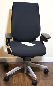 Steelcase Gesture Office Chair Black Connect With Platinum Base new