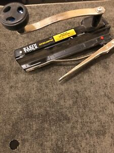 Klein Tools Autoclamping Bx Armored Cable Cutter with Blade new Model 53725