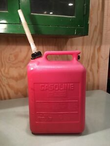 Midwest 5 Gallon Gasoline Can Vented Model 7500 Gas Pre Ban