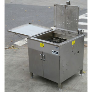 Belshaw 624 Electric Donut Fryer With Submerger Used Excellent Condition