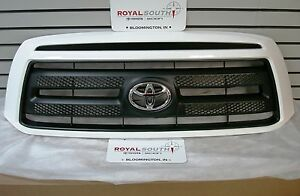 Toyota Tundra Rock Warrior Painted Super White 040 Grille Genuine Oe Oem