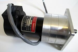 Dynetic Systems Dc Servo Motor 220055a 28vdc 4 4a Gearbox Encoder