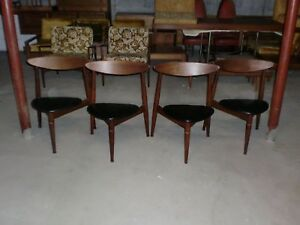 Mid Century Modern Chair Set Of 4 3 Legged Chairs Late 50 S Early 60 S