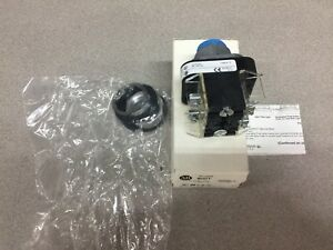 New In Box Allen Bradley Push Button 800t fxta1