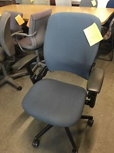Executive Chair By Steelcase Leap V2 2010 Model In Med Gray Color fully Loaded