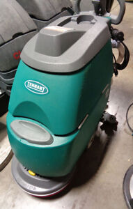 Tennant T2 Walk Behind Scrubber 24v 17 Pad Driver Only 2 Hours New Batteries