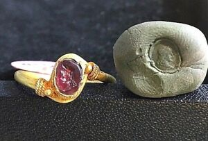 Ancient Garnet Intaglio Queen With Crown Long Hair Signet Solid 22k Gold Ring