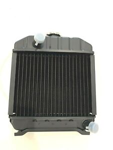 4 Row Kubota Radiator B6100d B6100e B7100d Oem 15371 72060 With Cap