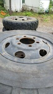 Lot Of 18 Military Deuce 2 5 Ton 6 Lug Tires And Wheels 11 00r20 Tire 1100r20