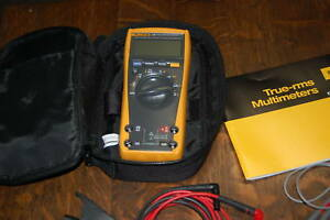 Fluke 179 True Rms Multimeter With Case Accessories And Users Manual