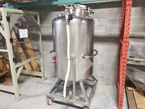 1000l Pressurized Tank With Mixer