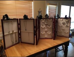 3 Showcases To Go Portable Jewelry Display Cases In Excellent Condition