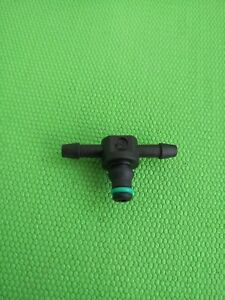 Diesel Injector Leak Off Pipe Connector For Bosch Common Rail 180 Mercedes