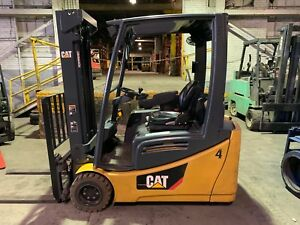 2014 Cat Electric Forklift 4000 Lbs Three Stage Mast 2et4000 Low Hours
