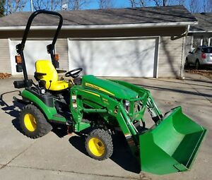 Deere 1025r Tractor Low Hours 30 lightly Used W 120r Loader And Subsoiler