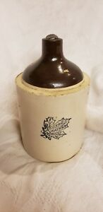 Vintage Western Stoneware Monmouth Illinois One Gallon Crock Jug Leaf Tan Brown