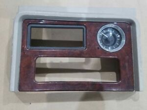 03 06 Escalade Yukon Denali Center Console Trim Bezel Cd Clock Platinum Oem