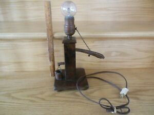 Vintage Western Look Stand Up Hand Well Pump Bucket Lamp