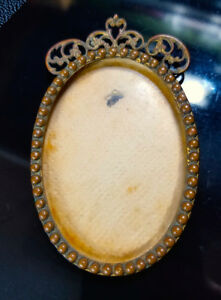 Antique Oval Fancy Picture Frame Victorian Art Noveau Gold Plated Lacquered