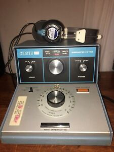 Vintage Zenith Audiometer Za 112 A Tested And Worming With Telex Zenith Phones