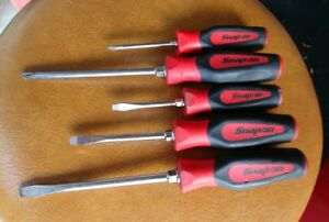 Snap On Tools 5 Piece Red Soft Instinct Grip Screwdriver Set