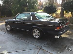 1985 Mercedes Benz 300cd Coupe W123 Turbodiesel Black Rebuilt Engine California