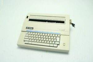 Smith Corona Xl 2500 Electronic Typewriter With Spell Right Dictionary