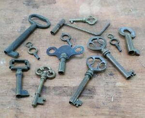 12 Brass Vintage Skeleton Keys Antique Steampunk Lock Clock Phonograph Key Lot