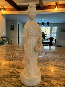 Beautiful Blanc De Chine Statue Of Kwan Yin Basket Of Leaves