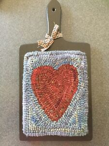 Hand Made Primitive Style Hooked Rug Prim Heart On Painted Vintage Cutting Board