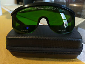 Cutera Multiwavelength Nd yag Laser Safety Glasses green With Black Arms