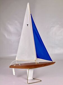 31 T Class Racing Sloop Toy Model Wooden Pond Yacht Red Sail Boat Sailboat Ship