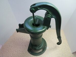 Vintage 16 Tall Cast Iron Well Water Pitch Pump Green