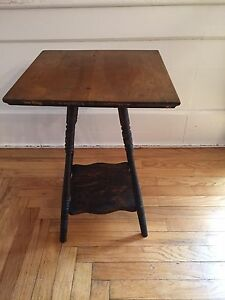 Antique Spindle Leg Victorian Wood 2 Tier Side End Table 22 5 Tall Vintage