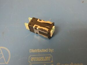 New Honeywell Switch Aml22cbs2cc Push Button N o n c Square Button Momentary