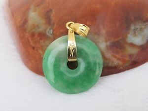 Vintage 18k Solid Yellow Gold Green White Jadeite Jade Donut Circle Pendant