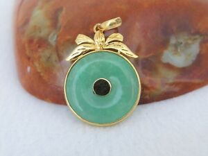 Vintage 18k Solid Yellow Gold Natural Green Jadeite Jade Donut Pendant
