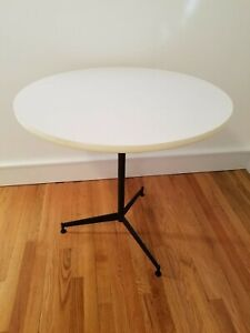 Mid Century Modern Paul Mccobb Cigarette Side Table